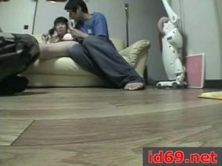 Русская мама с подругой учат ебаться сына