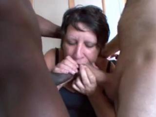 Мать смотрит как дочь ебут по кругу
