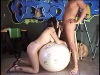 Армянка глотает сперму