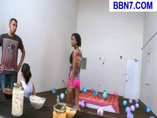 Русские лезбиянки ебутся со стропоном